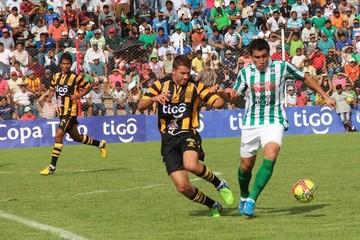 El Tigre impugna a Petrolero por el DT Celso Ayala