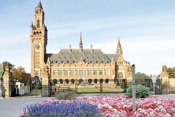 Evo celebra reunión con  equipo jurídico de La Haya