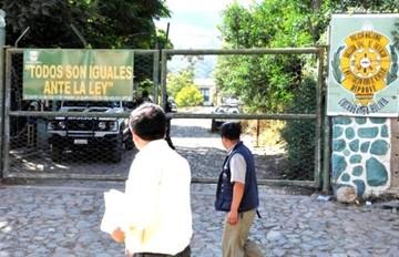 Policías de Diprove en estado de ebriedad causan accidente en Cochabamba