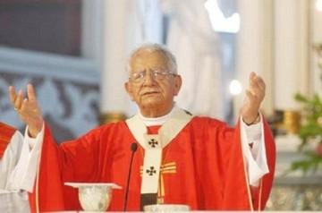 Hospitalizan al cardenal Julio Terrazas con un cuadro de desnutrición y deshidratación