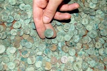 Un equipo británico recupera del Atlántico cien toneladas de monedas de plata