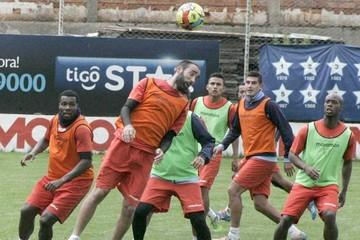 Bolívar busca dar otro paso al título frente a Nacional