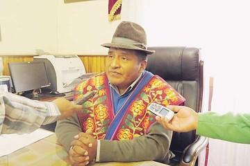 Huarachi lleva su denuncia al Legislativo