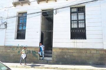 Entierran a mujer asesinada y hallada en Imilla Huañusqa