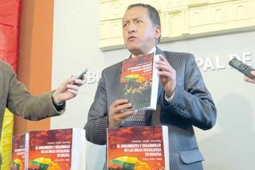 Fernando Suárez presenta nuevo libro