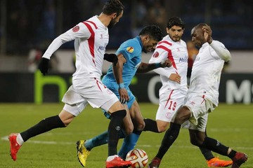 Sevilla avanza a costa del Zenit