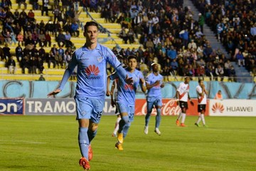 Bolívar cerca del título