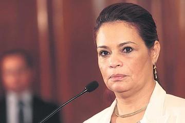 Guatemala: Renuncia la Vicepresidenta y un juez dicta arraigo