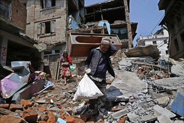 Nepal revive la pesadilla de un intenso terremoto