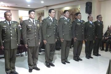Posesionan a directores y comandantes de la Policía para la gestión 2015