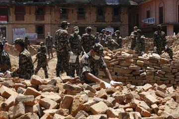 Nepal sufre nuevo sismo y recuperación se dilata
