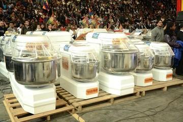 Proveedoras de equipos para hacer pan denuncian deuda de Bs 8 millones del Gobierno
