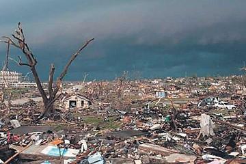 Violento tornado flagela a México y deja 13 muertos