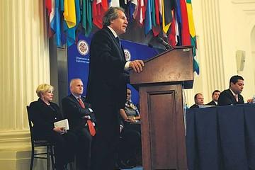 """OEA: Almagro anuncia """"más derechos para más gente"""""""