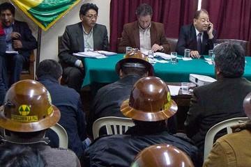 Fijan cuarto intermedio en  diálogo Gobierno-mineros