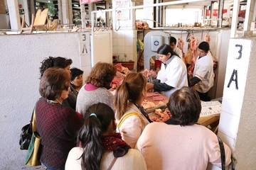 Acatan paro de carniceros en Sucre y temen escasez