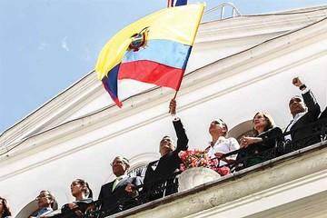 Correa reta a oposición para ir a un revocatorio