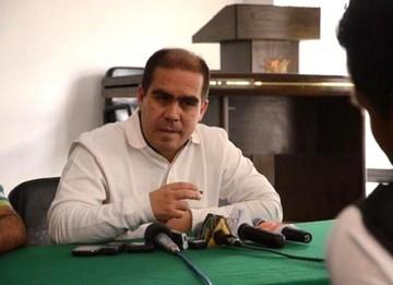 Presidente de la Liga promete renunciar al cargo