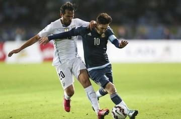"""""""Kun"""" Agüero entrega a Argentina la primera victoria en la Copa América"""