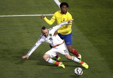 Ecuador gana a México y da el pase a Bolivia y Chile