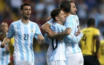Higuaín dio el liderato del grupo a Argentina y espera a su rival