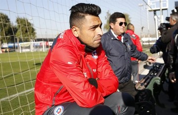 Gonzalo Jara, especialista en desestabilizar a jugadores uruguayos