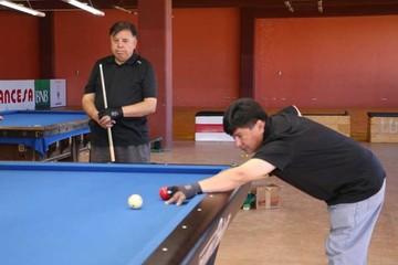 Billar programa dos campeonatos en Sucre