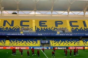 Un desangelado estadio de Concepción aguarda el partido por el tercer puesto