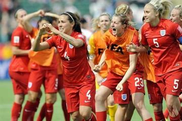 Inglaterra sube al podio