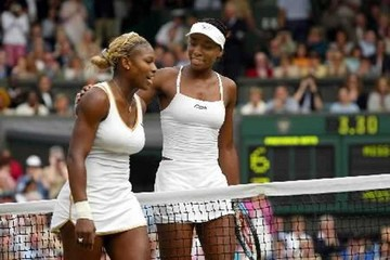 Las hermanas Williams chocan en duelo crucial