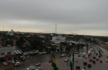 Granizo y tormenta invernal en Santa Cruz anteceden llegada del papa Francisco