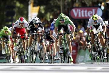 Cavendish gana la etapa
