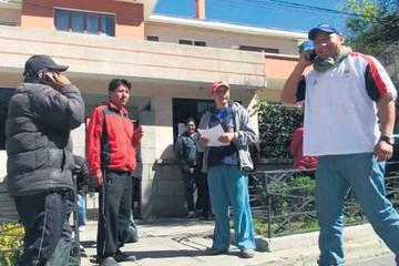 Ministros insisten en dialogar con Potosí, pero cívicos quieren a Evo