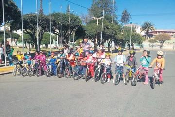Ciclistas aceleran en competencias locales