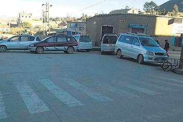 Culpina: Choferes bloquean por mal estado del camino