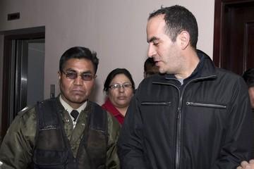 Juez ordena detención domiciliaria y fija fianza para abogado de Belaunde