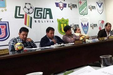 Liga retrasa elección  de su nuevo presidente