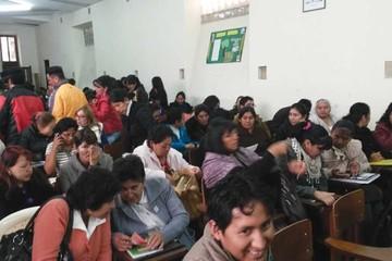 Alta demanda de cursos para maestros