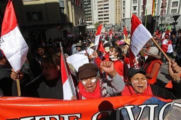 Dirigentes potosinos formalizan solicitud de diálogo con Evo Morales