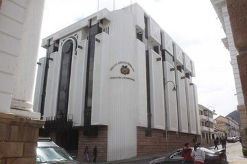 Tribunal pone freno a la renovación total de vocales en la justicia