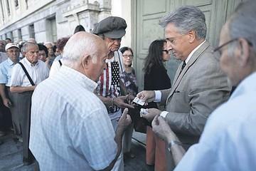 Comisión Europea desembolsa ayuda por crisis griega