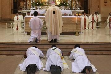 Nuevos sacerdotes se ordenan en Sucre