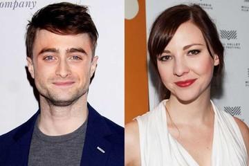 El actor Daniel Radcliffe rapea junto a su novia