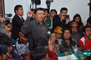 El cívico Johnny Llally rompe en llanto y asegura que votó por Evo Morales