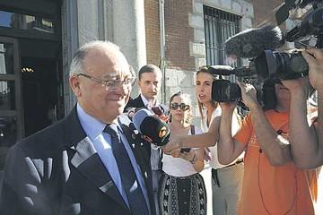 España convoca a embajador venezolano