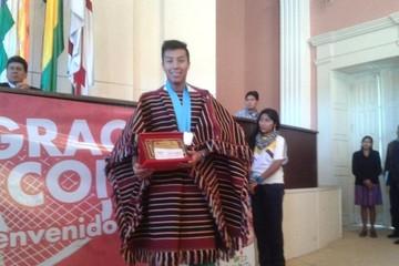 Medallista panamericano recibe Bs 20.000 de instituciones regionales