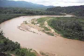 Cochabamba: Entierran a policía que se ahogó en río de Ivirgarzama