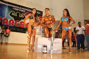 """Míster Sucre"" corona a sus campeones"