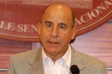 Ex ministro Tito Hoz de Vila muere tras accidente de tránsito en La Paz