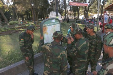 Militares están en Sucre; hoy ensayan para desfile